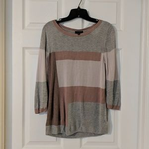 🛍️ Color Block Sweater